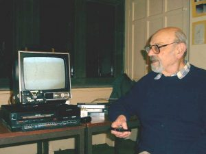 Eric Strach and his video HAlpha observations of the Sun. Croxteth Park Star Party, Saturday/Sunday, February 16th/17th 2002
