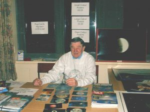 John W on Sales. Croxteth Park Star Party, Saturday/Sunday, February 16th/17th 2002