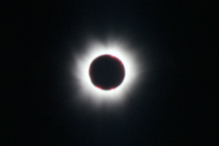 Bob Read's photos of the Total Solar Eclipse of 11th August 1999, taken in Normandy