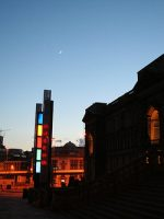 The Moon and Venus in the evening sky above William Brown Street at the Sidewalk Astronomy event, 19th May 2007