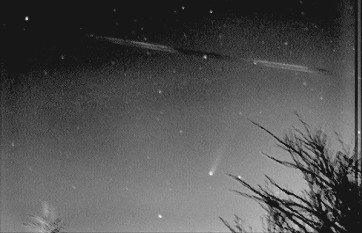 Comet C/2002 C1 (Ikeya-Zhang), taken by Richard Sargent in Chester using an SX Mono Starlight Express CCD, exposure 5x10secs on April 3rd 2002