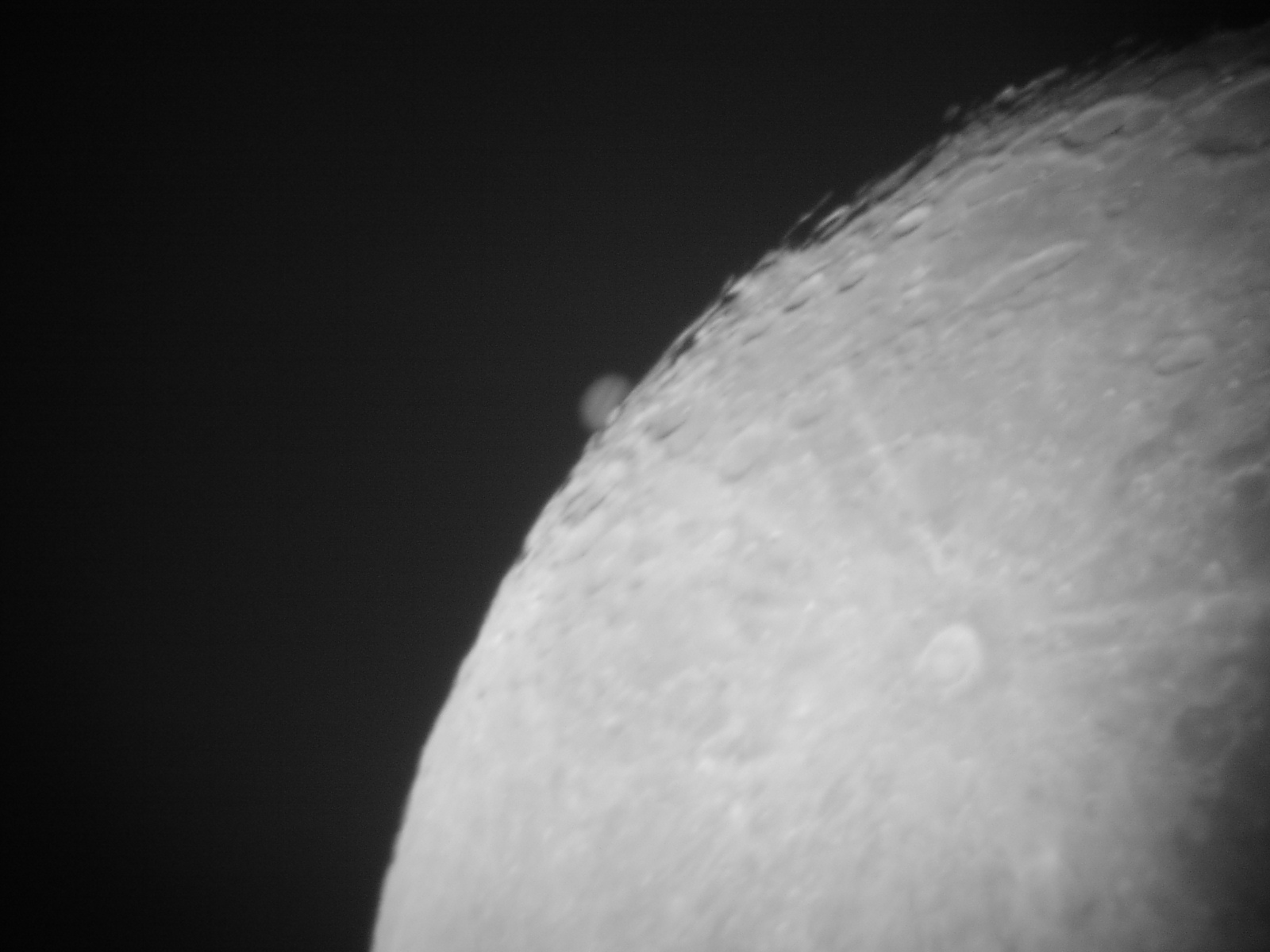 Jupiter-Lunar Grazing Occultation by John Quirk, Image 2, taken from Walton, Liverpool on Saturday, 26th January, 2002